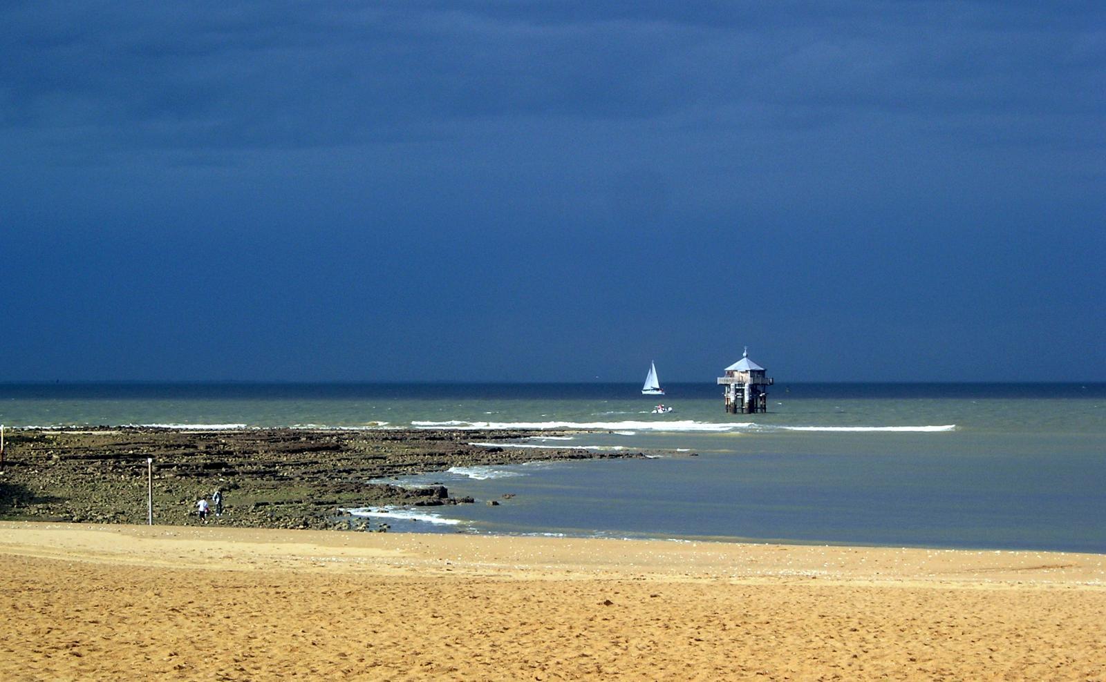 plage-des-minimes-la-rochelle-1353426957